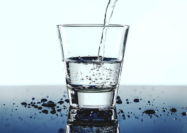 Equilibre alimentaire : boire de l'eau